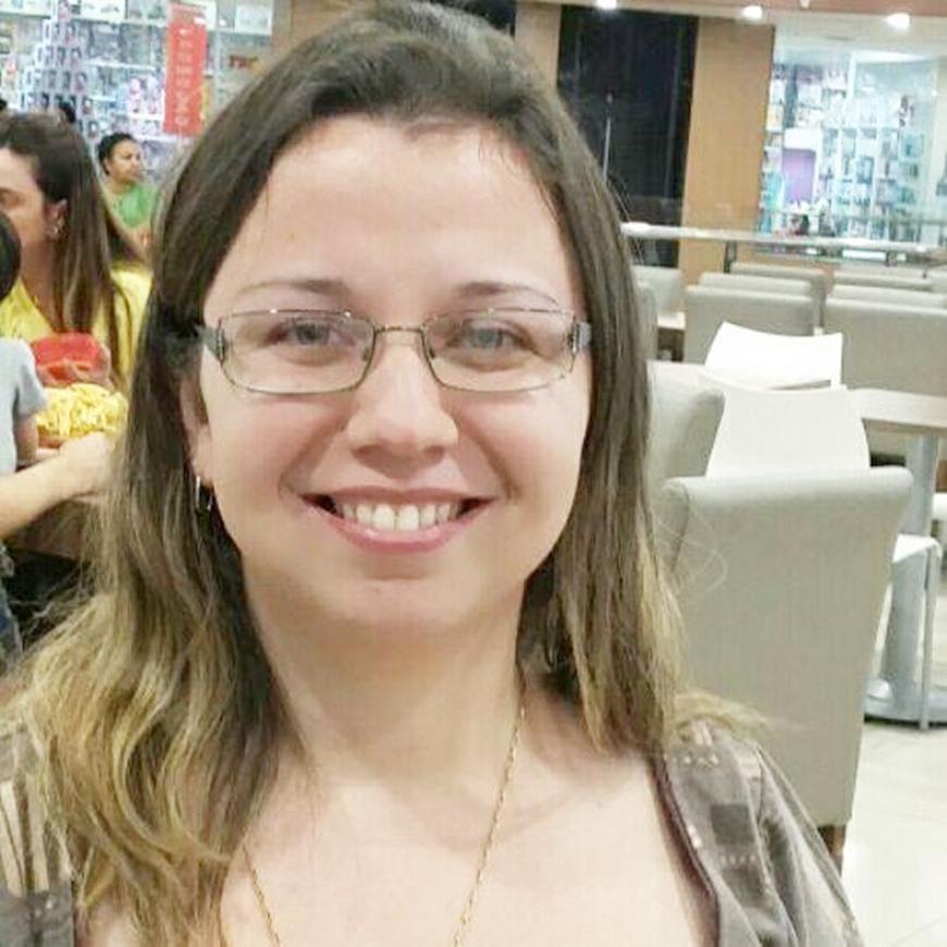 PENAPOLENSES SE DESTACAM NA LITERATURA DESCREVENDO SENTIMENTOS, ANGÚSTIAS OU MOSTRANDO SUA CONDIÇÃO ALBINA