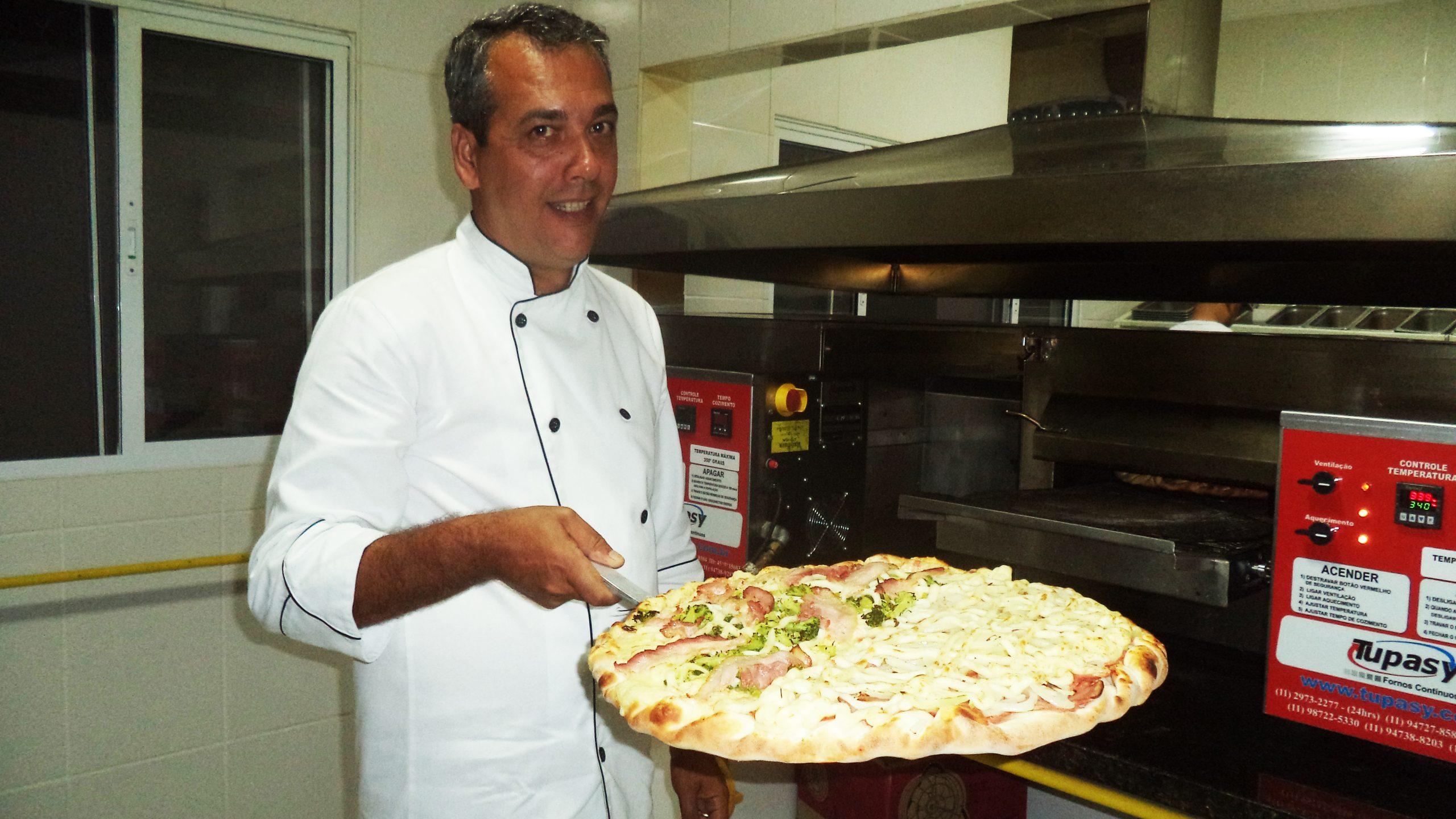 Adriano Mosca: De joalheiro à pizzaiolo de um dos principais disk pizzas da cidade