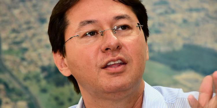 Interino diz em rádio que houve desinformação com relação a posse de Célio de Oliveira