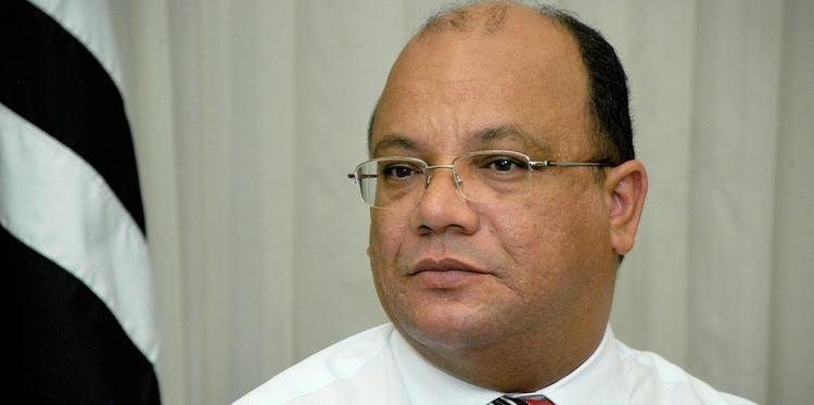 Ex-prefeito rebate informações do governo sobre exclusão de percentual de servidores