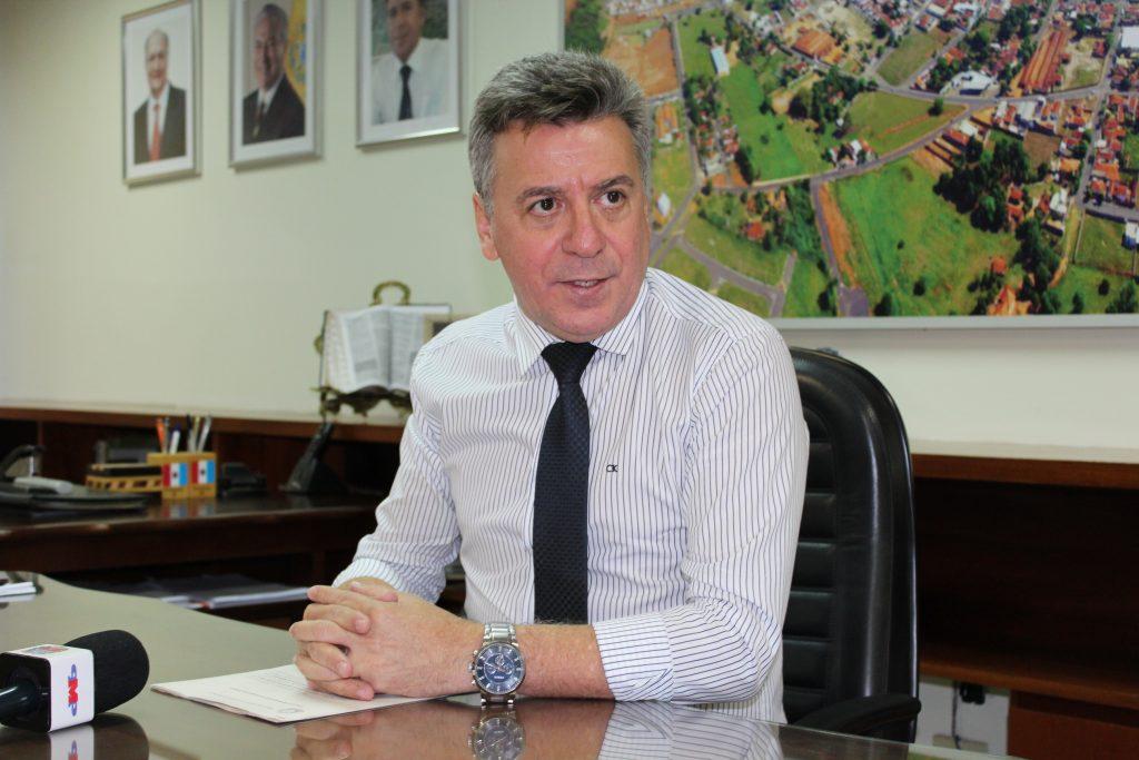 TJ condena prefeito Célio de Oliveira à perda de cargo público
